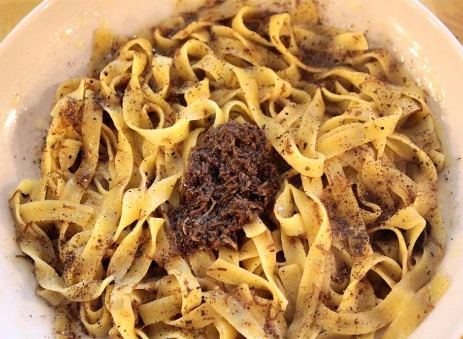 Fettuccine fatte in casa al Tartufo Nero